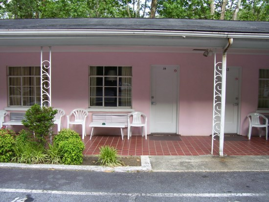 north-carolina-pink-motel-picture
