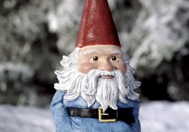 texas-southlake-travelocity-gnome-face