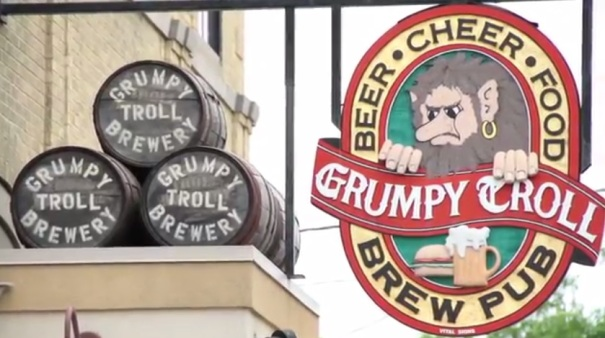 wisconsin-mt-oreb-grumpy-troll-sign
