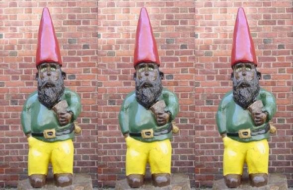 connecticut-davenport-college-gnome-statue