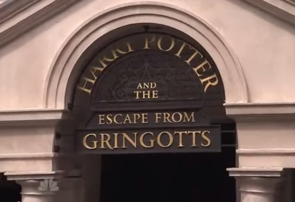 florida-orland0harry-potter-world-gringotts-bank-entrance