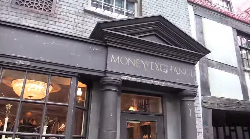 Γραφείο Ανταλλαγής Πόντων Florida-orlando-harry-potter-world-gringotts-bank-money-enchange