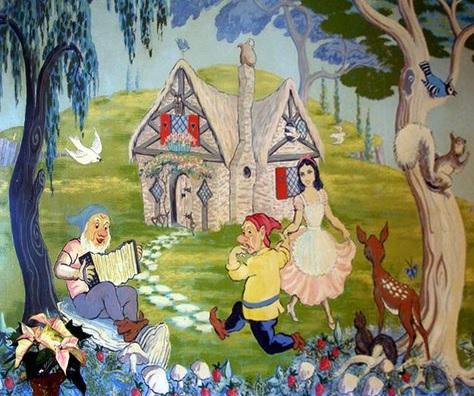 illinois-wheaton-seven-dwarfs-restaurant-front-room-mural