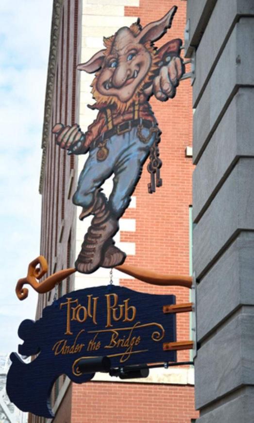 kentucky-louisville-troll-pub-sign
