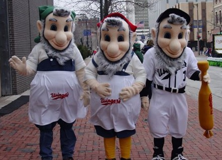 wisconsin-milwaukee-usingers-meats-elves-hans-fritz-brats-bomber-st.-pattys-parade