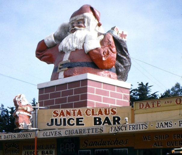 california-oxnard-santa-claus-3