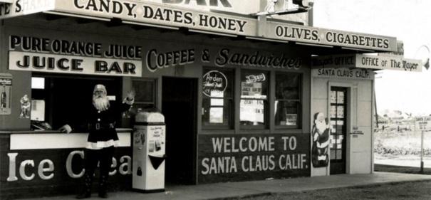 california-oxnard-santa-claus-black-white-2