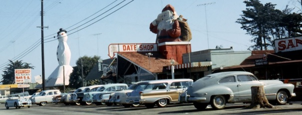 california-oxnard-santa-claus-lane-buildings