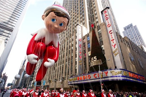 georgia-atlanta-elf-on-the-shelf-macys-parade-balloon