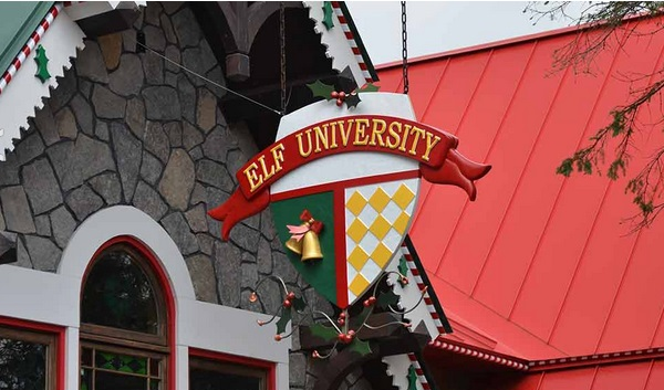 new-hampshire-santas-village-elf-university-sign