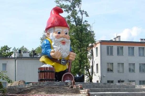 ... Noma Sol, Poland Made In 2009 By MALPOL Fiberglass Statuary. Worldu0027s  Largest Garden Gnome
