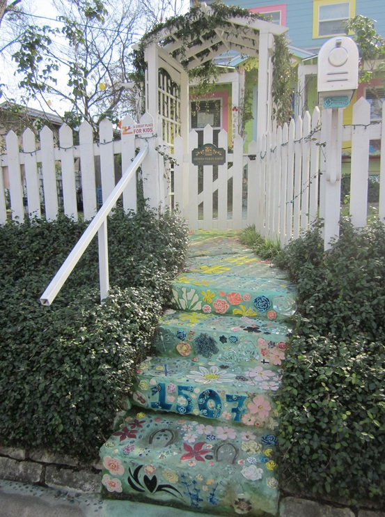 texas-austin-fairy-alley-steps