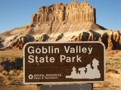 utah-goblin-valley-sign