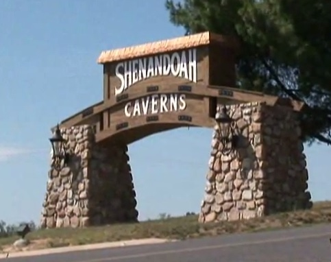 virginia-quicksburg-shenandoah-caverns-entrance