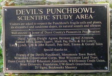 wisconsin-memomonie-devils-punchbowl-sign