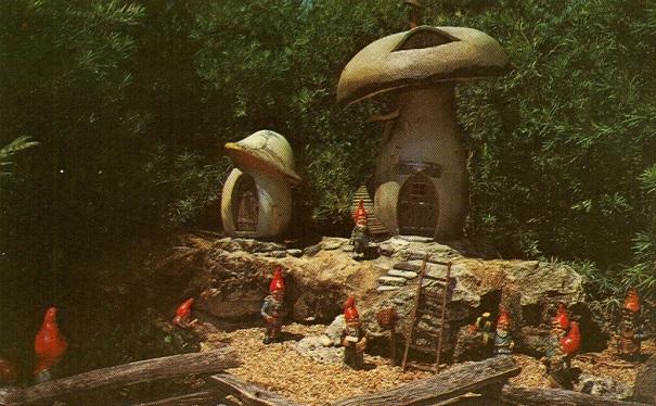 florida-busch-gardens-dwarf-village-grandpa-grundy