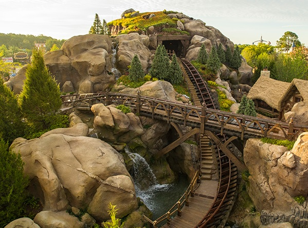 florida-disneyland-seven-dwarfs-mine-train-rails