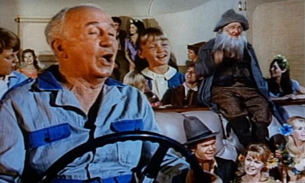 michigan-hickory-corners-gilmore-car-museum-gnomemobile-driving-4