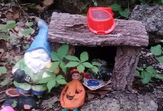 new-jersey-columbia-trail-gnome-houses-4