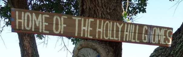 florida-holly-hill-gnome-tree-sign-2