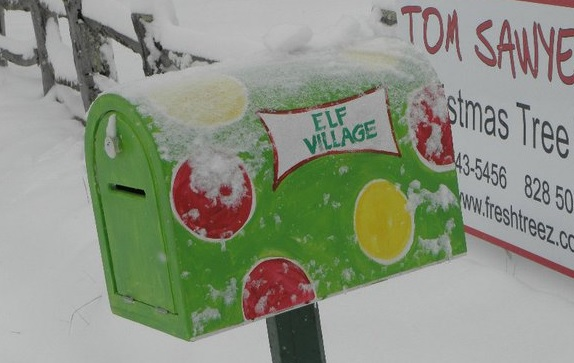 north-carolina-glenville-elf-village-mailbox-snow