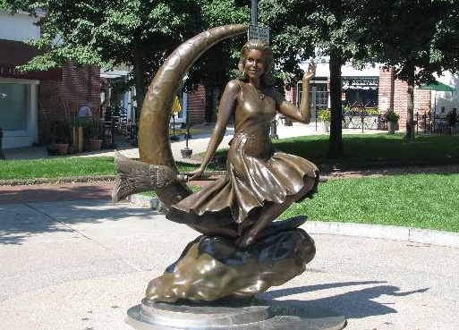 connecticut-westport-bewitched-statue