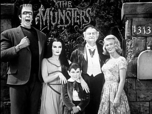 fictional-locations-mockingbird-heights-munsters-house