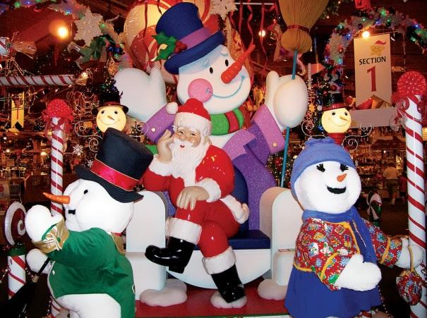 michigan-frankenmuth-bronners-christmas-wonderland-snowmen