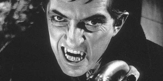 maine-collinsport-barnabas-collins-fangs