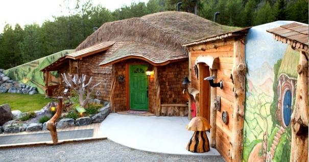 montana-hobbit-house-2